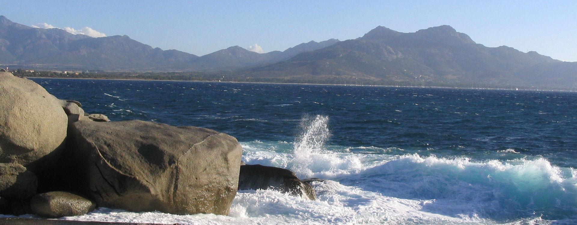 lumio-caldone-mer-montagne